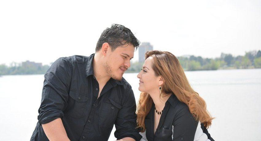 couple-5793356_960_720